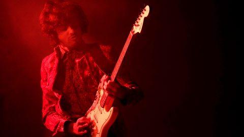 Harts plays Hendrix